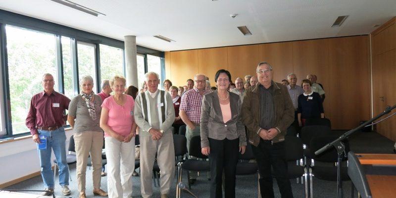 Seniorengruppe Aus Sachsenhausen Zu Gast Im Thüringer Landtag